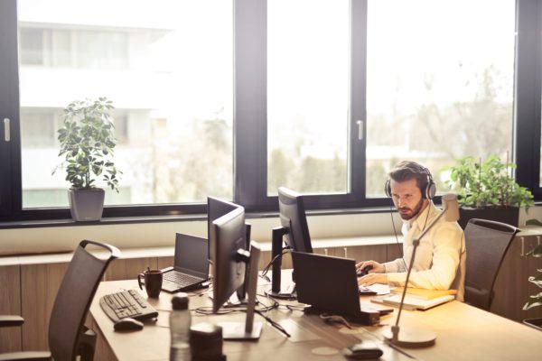 Externalisez la gestion de vos appels téléphoniques entrant et sortants